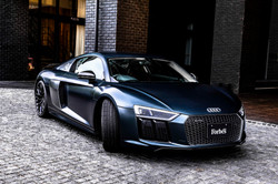 Audi R8×小山薫堂 ( Forbes Japanタイアップ)