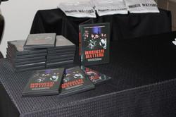 DVD & T-SHIRTS