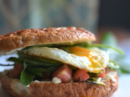 Sandwich de Desayuno con ¡todo!