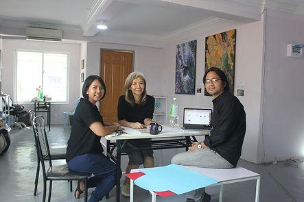 Artist Zun Ei, Art Curator/writer Chu Ch