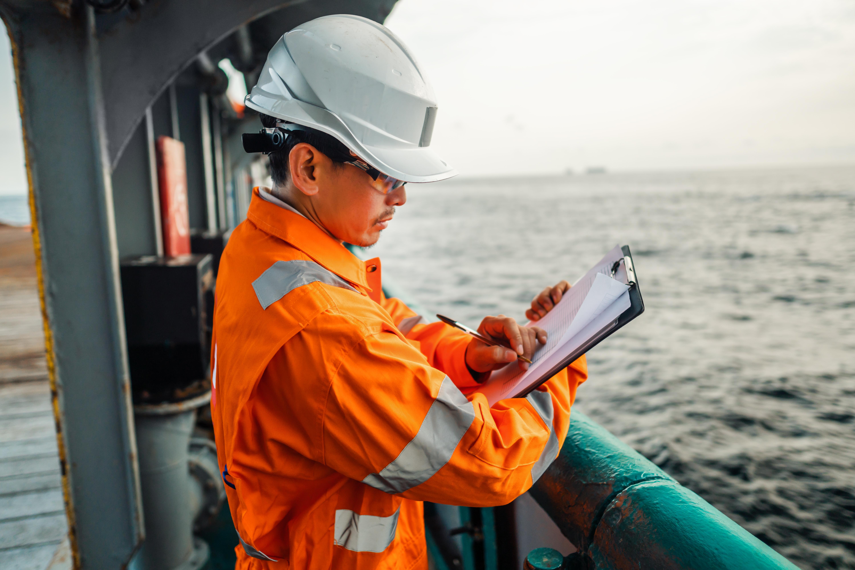 Marine Engineer - Merchant Navy Officer