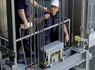 mantenimiento-de-ascensores.jpg