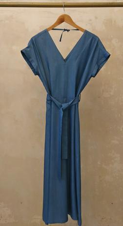 Lua Kleid blau VT Bügel Kopie.jpg