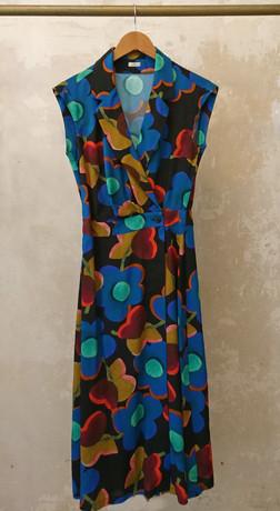 Suma Kleid Bügel Kopie.jpg