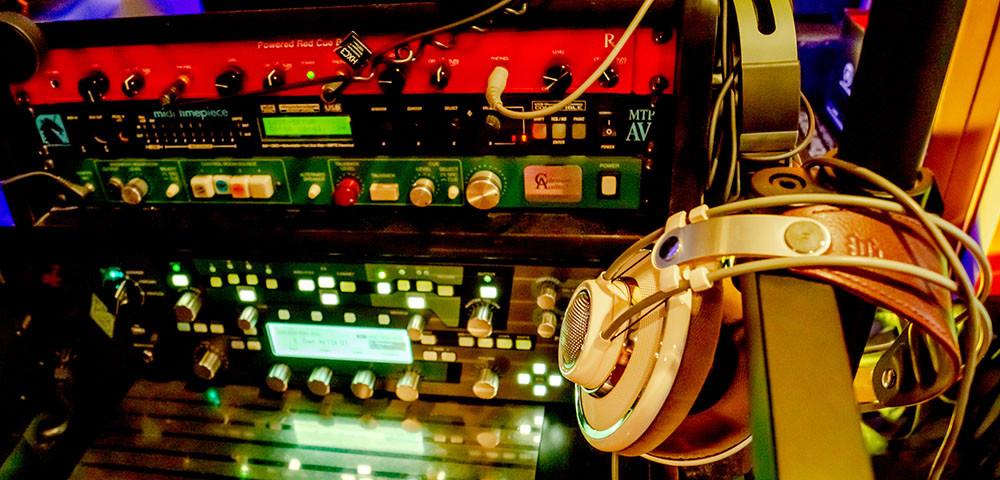 Kemper Profiler, Coleman Audio TB, Redco Audio Red Cue Box, AKG K701 headphones