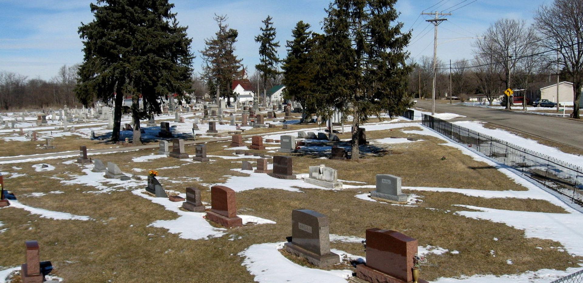 Cemetery 084.JPG