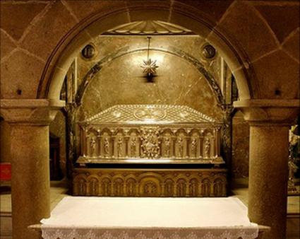Sepulcro del Apóstol Santiago en la Catedral de Compostela