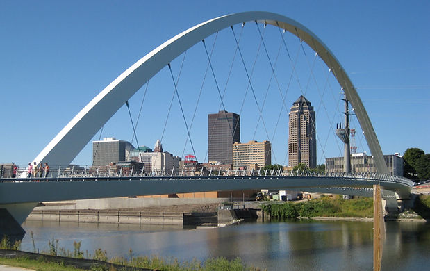 Skyline_downtown_Des_Moines.jpg