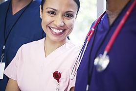 Lächelnd medizinisches Personal