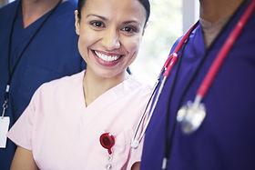 Sorrindo pessoal médico