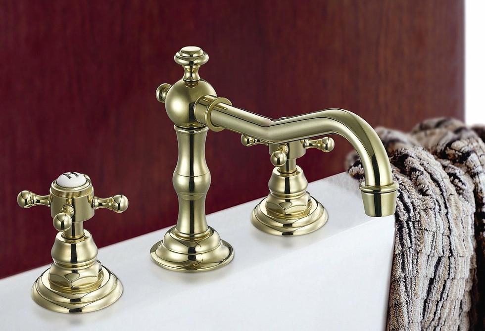 Functioning Plumbing Fixtures