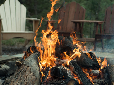 Thinking of adding a fire pit to your backyard?  Helpful tips for staying safe.