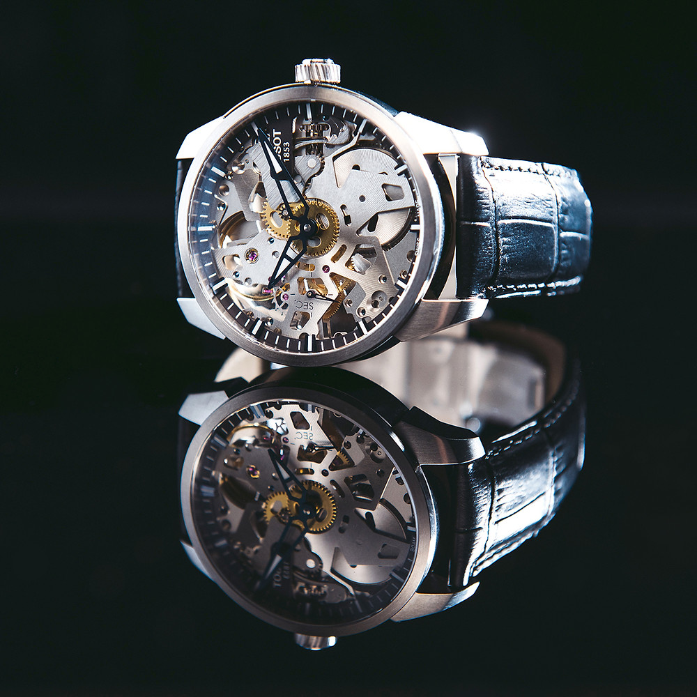 product photography, lifestyle photography, e-commerce, online shopping, online selling, watch, mechanical watch, black background, reflection, side hustle, amazon, ebay, shopify, wendy chung photography