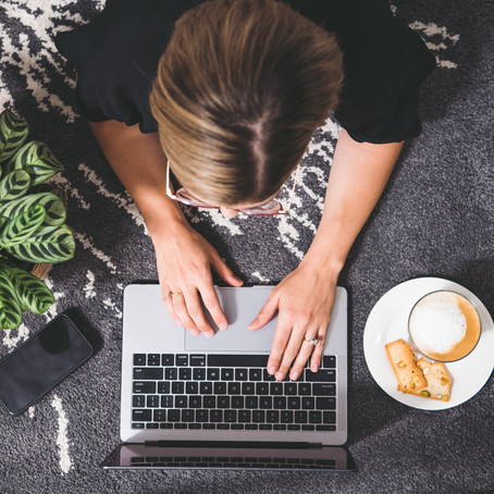 7 ADVANTAGES TO WORKING FROM HOME
