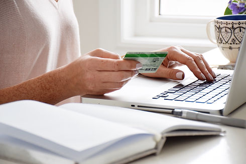 woman-is-using-a-credit-card-to-shop-onl