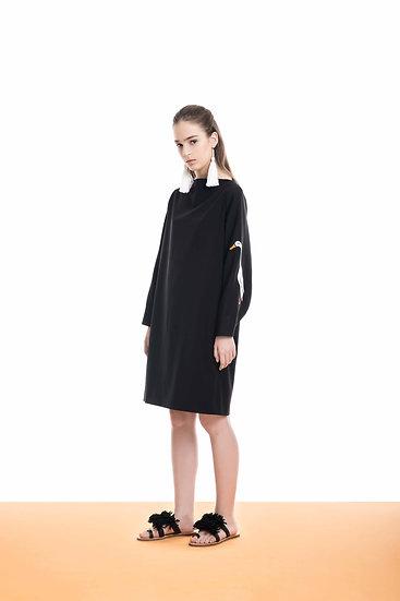 Quack sleeve dress