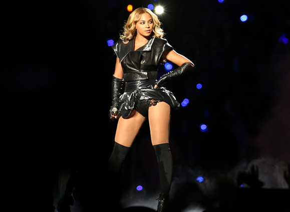 Beyonce_at_Super_Bowl_XLVII_halftime_sho