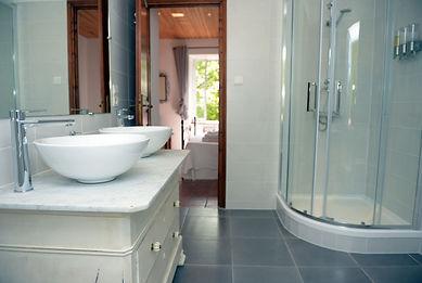Occitanie bathroom.jpg