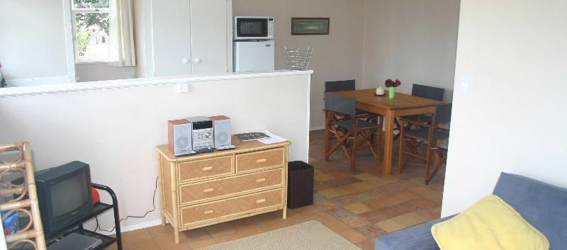 Jandals - Lounge & Kitchen.JPG