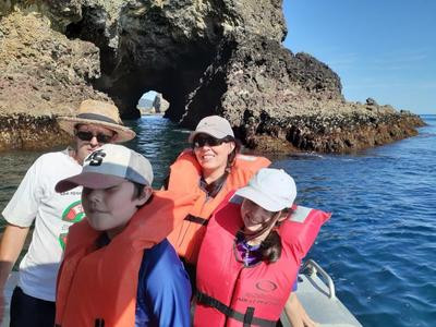 Whangaroa Hole in the Rock