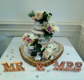 Large log slice wedding cake stand
