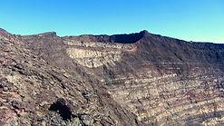 le-cratere-bory-vu-depuis-le-bord-du-cra