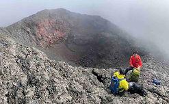 cratere-volcan-hors-sentiers-piton-de-la