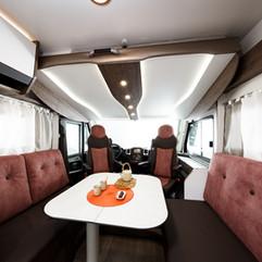 Nos différents tissus sont choisis pour un maximum de confort et de tenue dans le temps. Nos sièges cellule sont confectionnés par des professionnels d'intérieurs d'automobiles Premium.