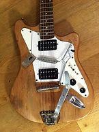 Guitare_augmentée_utilisée_par_X_Mussat_