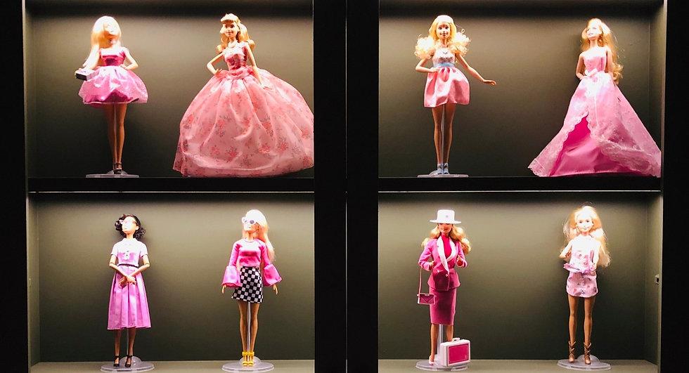 Think Pink Powder Room Barbies_edited_edited_edited_edited.jpg