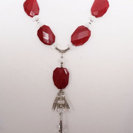 Red slab tassel necklace