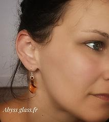 Boucle d'oreille feuille en verre Abyss Glass.jpeg