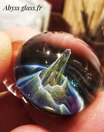 Pendentif Univers en verre Abyss Glass.jpeg