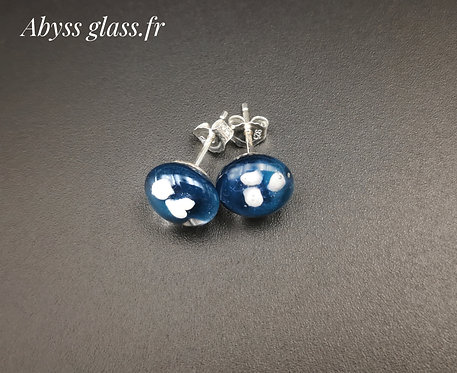 Puces d'oreilles fleur bleue