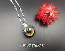 Pendentif en verre Abyss Glass.jpeg