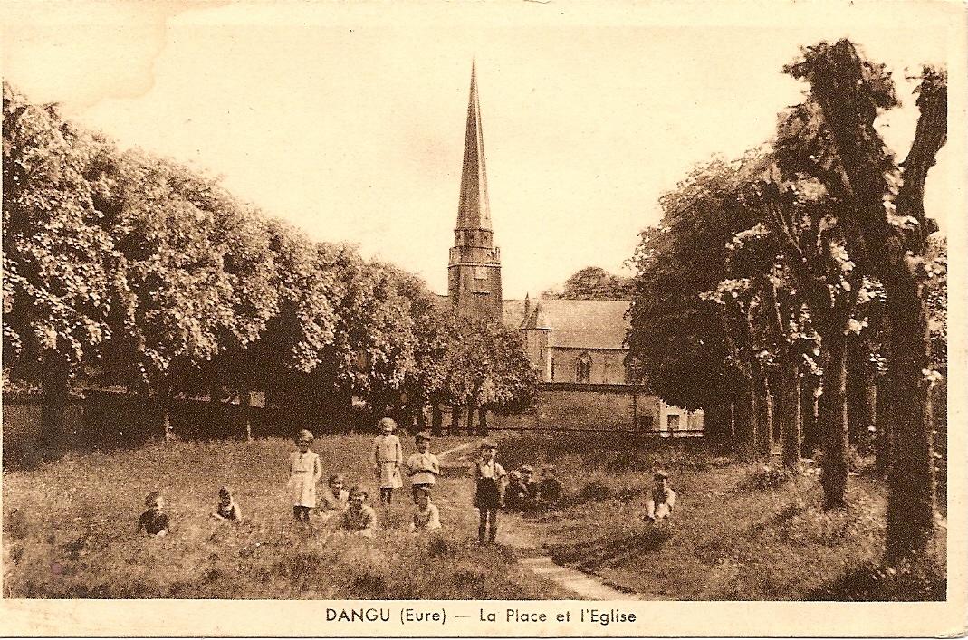 La place et l'église