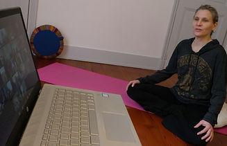 photo yogan pour zoom_edited_edited.jpg