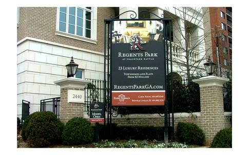 Regents Park: Monument Sign