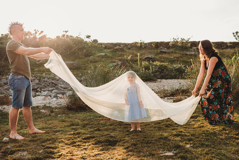 Family photographer in Cornwall Launcest