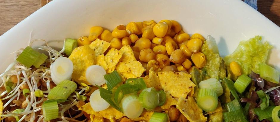 Nur 300 kcal: Sättigende Blumenkohl-Reis Bowl die du lieben wirst