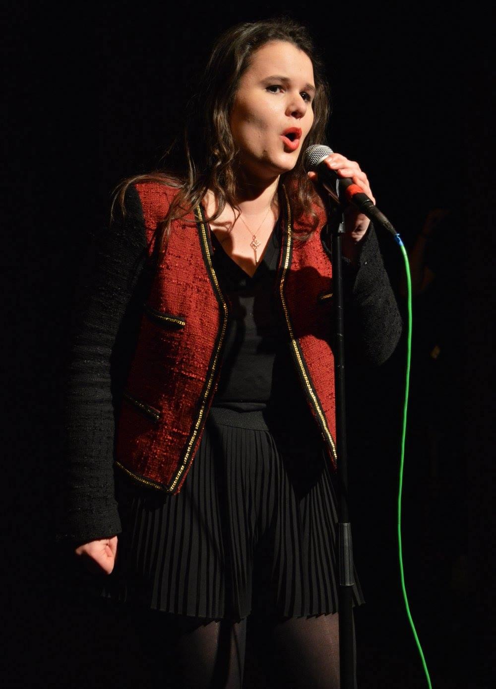 Coralie Bastiaens - Singing