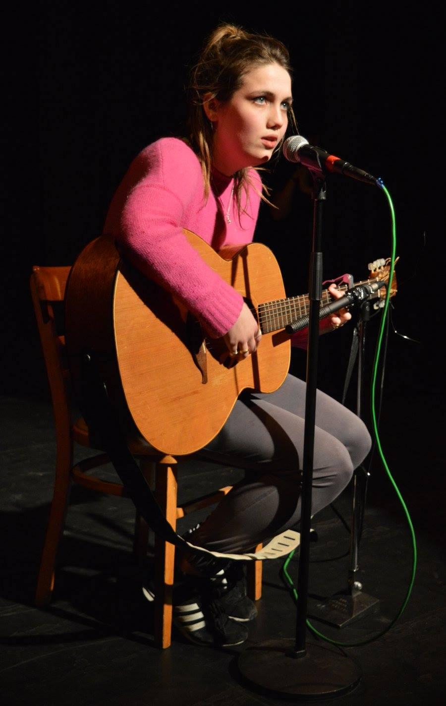 Nell Barlow - Singing