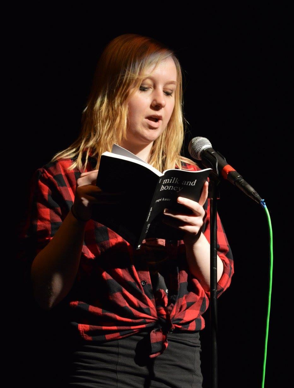 Aimee De-Ritis - Reading