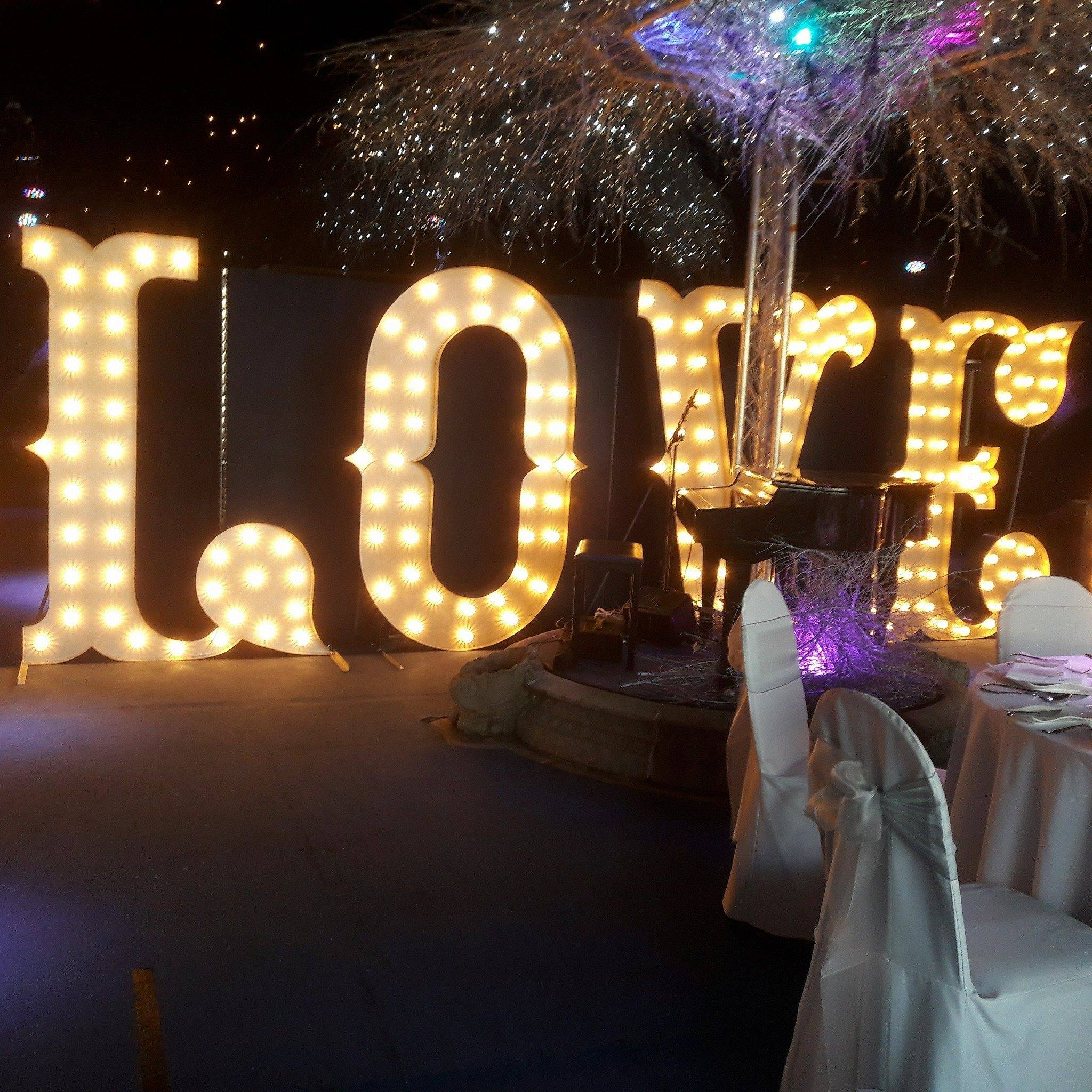 KMS Hire 7ft Circus style love light