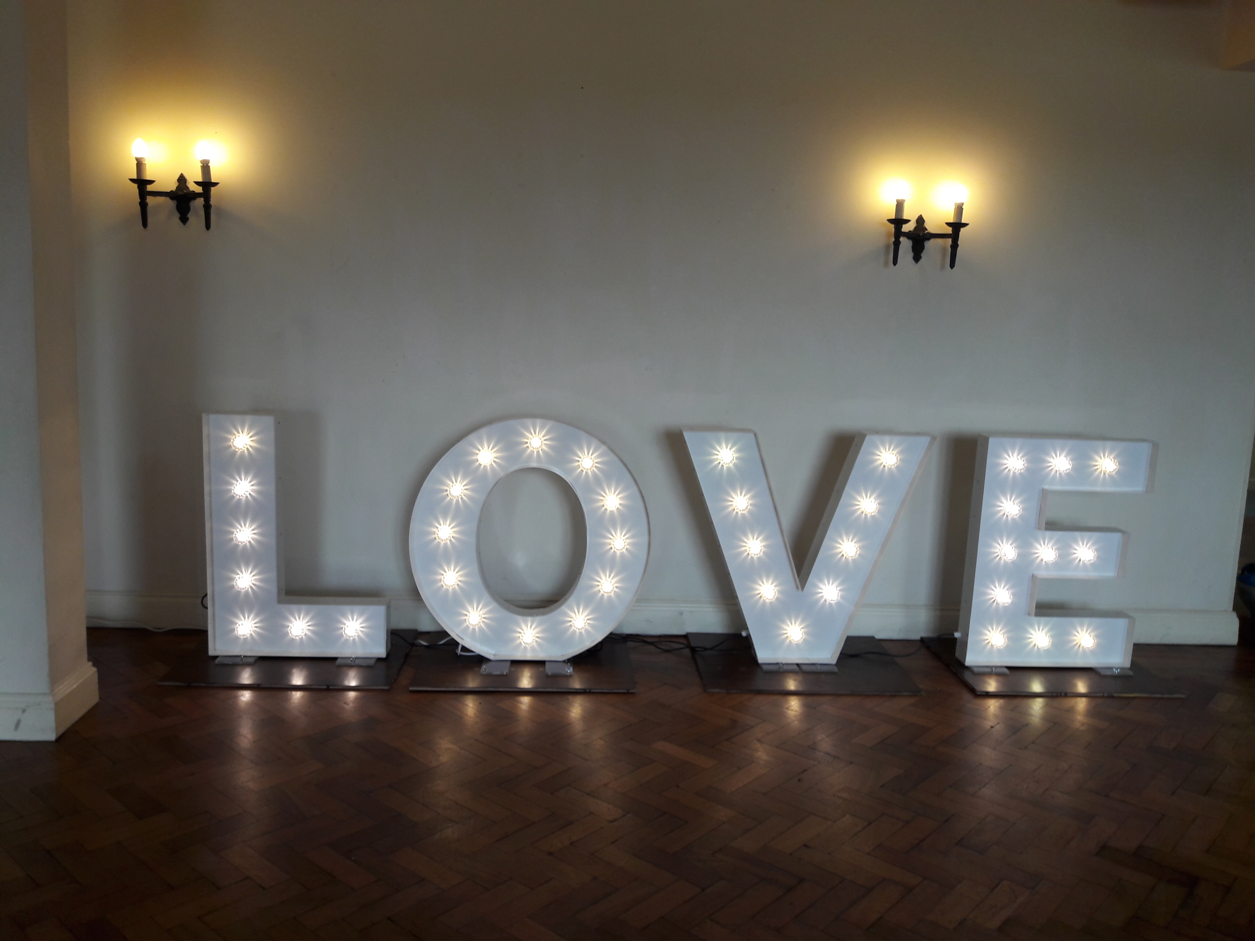KMS Hire Love Lights Cromwell Manor