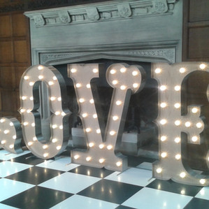 KMS Hire - Suffolk 5ft circus love letter light wedding hire