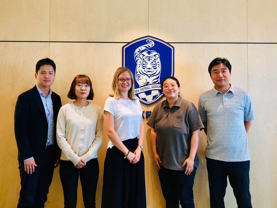 Meeting with the Korean FA, exchanging trends in women's football in Europe and Asia