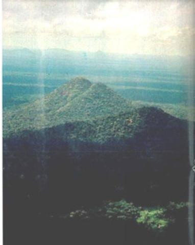 Imagem das supostas pirâmides publicada em 1979 pela Revista Veja.