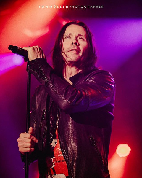 Myles Kennedy • Slash • Live at Porto Al