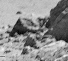 """""""Ferro velho"""" lunar? (Fotografado por astronautas da missão Apollo)."""